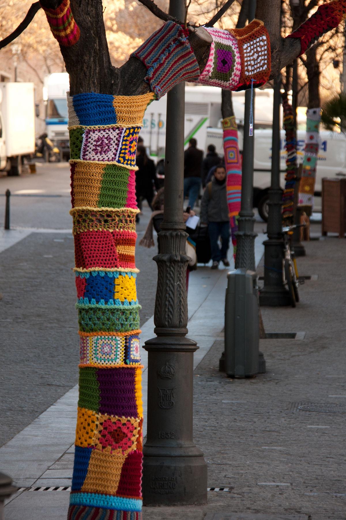 Guerilla Knitting – Wikipedia