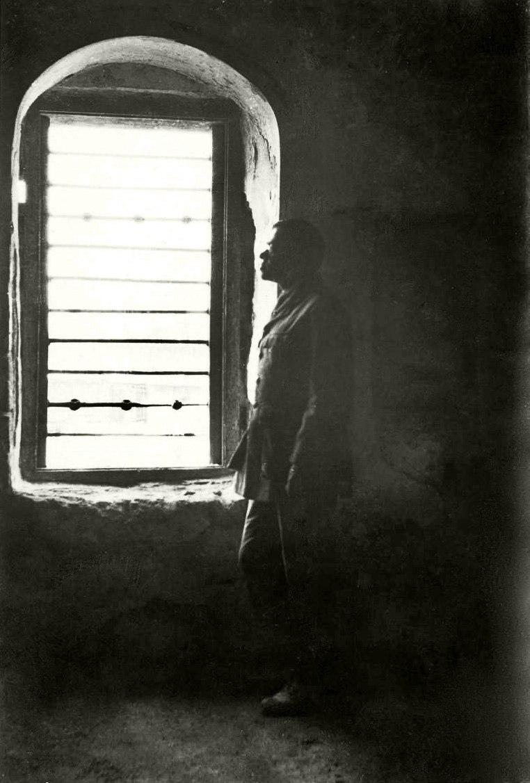Zeev Jabotinsky in prison