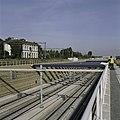 Zicht in de open tunnelbak van het aquaduct, links het voormalige NS Station - Abcoude - 20396316 - RCE.jpg