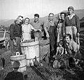 """""""Bendimači"""" pri Jefčevih, Slap 1958.jpg"""