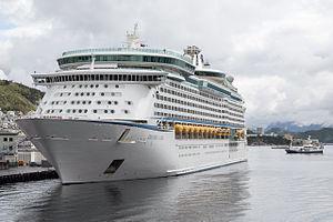 "MS Explorer of the Seas - Image: ""Explorer of the Seas"" in Ålesund, Norwegen"