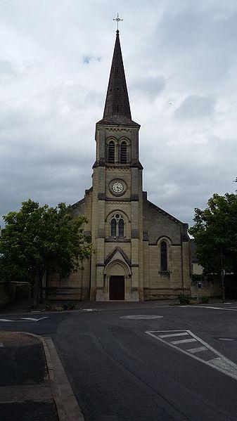 Façade de l'église Notre-Dame du Rosaire à Beaumont-en-Véron (Indre-et-Loire).