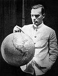 Герой Советского Союза С. Леваневский готовится к новому перелёту через Северный полюс.jpg