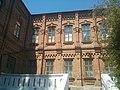 Жіноча гімназія у Приморську з двору.jpg