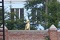 Какойто памятник за забором монастыря - panoramio.jpg