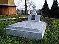 Пам'ятник о. К. Гермаку і Є. Гермаківній (уч. 7 кл.).JPG