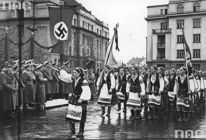 Парад в Станиславе (Ивано-Франковск) в честь визита генерал-губернатора Польши рейхсляйтера Ганса Франка 3