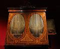 099 Museu de la Música, orgue de ressort de Diego Evans.jpg