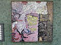 1210 Autokaderstraße 3-7 Tomaschekstraße 44 Stg 15 - Mosaik-Hauszeichen Farbige Komposition von Anton Karl Wolf 1968 IMG 0944.jpg