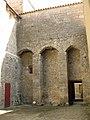 160 Abadia de Santa Maria, pati de la sagristia.jpg