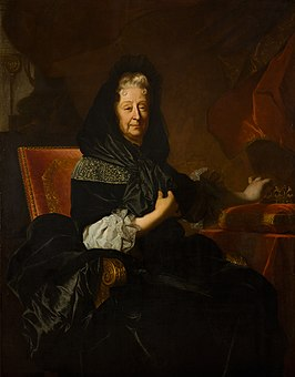 1705 Portrait of the widowed Marie d'Orléans, Duchess of Nemours by Hyacinthe Rigaud (Lausanne).jpg