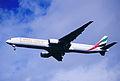 190ei - Emirates Boeing 777-31H, A6-EMM@LHR,05.10.2002 - Flickr - Aero Icarus.jpg