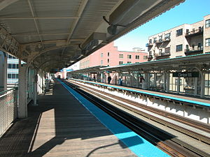 Clinton station (CTA Green and Pink Lines) - Image: 20040329 03 CTA Green Line Clinton St. station