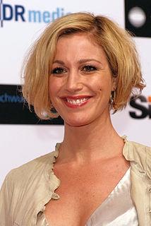 Julia Stinshoff German actress
