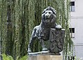 2015 Pomnik przy klasztorze na Strachowie w Pradze 02.jpg
