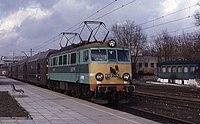 21.03.94 Koluszki EU07-147 (6018212531).jpg
