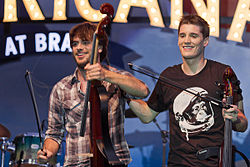 2Cellos in Glendale, 加利福尼亞 on 4 August 2011