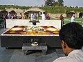3583- Ghandi's grave (57705817).jpg