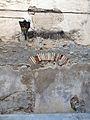 559 Plaça del Pou, al barri de Remolins (Tortosa), fanal i portal cec.JPG