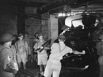 Fort Cowan Cowan - 6 inch Mk XI gun and crew, Fort Cowan Cowan, November 1943