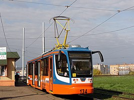 71-623 (KTM-23) tram under number 134 in Nizhnekamsk.jpg