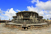 A profile of the Chennakesava temple at Belur.jpg