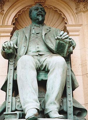 Alexandre Le Grand (merchant) - A statue of Alexandre Le Grand in the Palais Bénédictine.