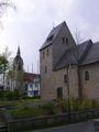Alfen alte und neue Pfarrkirche St.Walburga.jpg
