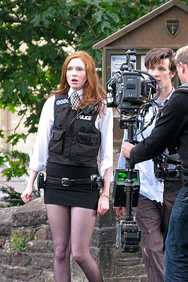 "Karen Gillan als Amy Pond in de aflevering ""The Eleventh Hour"" van Doctor Who."