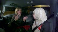 File:Angela de Jong, taxi terug - YUNG DWDD - Samya.webm