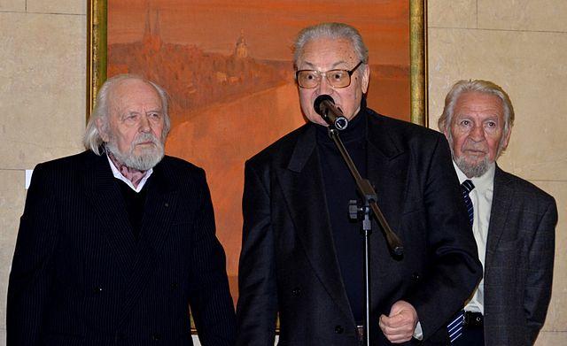 С белорусскими художниками Гавриилом Ващенко и Василием Шаранговичем в Национальном художественном музее Беларуси 12 декабря 2013 г.