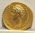 Antonino pio, aureo per faustina maggiore, 138-141 ca..JPG