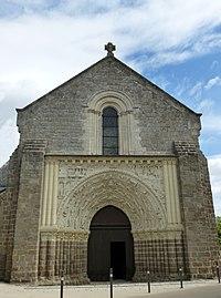Argenton-Château Eglise Saint-Gilles extérieur.JPG