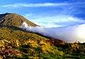 As nuvens galgam a Montanha, ilha do Pico, Açores.JPG