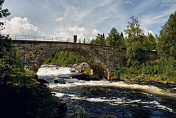Åsanbron over Åsanforsen i Ljungan.