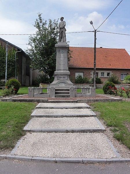 Aubencheul-aux-Bois (Aisne) monument aux morts