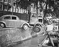 Auto-ongeval op de Kalkmarkt De autos op de kant van de gracht, Bestanddeelnr 912-6151.jpg