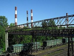 Вид на трубы ТЭЦ от станции Нарвская