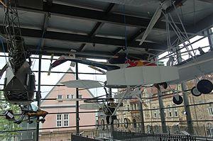 Bückeburg Hubschraubermuseum 2011-by-RaBoe-06.jpg