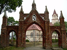 BZN Lieplauke church gate.jpg
