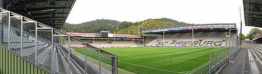 Badenova-Stadion innen