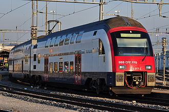 S15 (ZVV) - S15 in Rapperswil as seen from Seedamm.