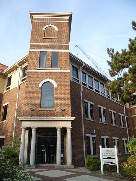 File:Barnet Civil & Family Courts Centre (2).JPG