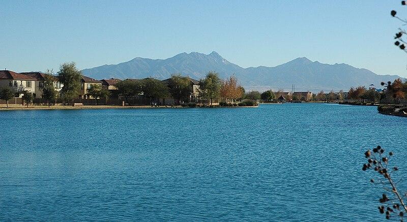File:Bbasgen-sahuarita-lake.JPG
