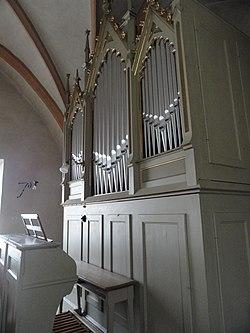 Behmann-Orgel Pfarrkirche Neustift Spieltisch (seitlich).jpg