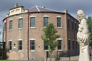 Bethesda Methodist Chapel, Hanley - The Flemish bond brickwork can be seen at the rear of the chapel