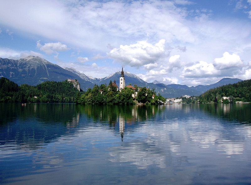 File:Bled island July 2005.jpg