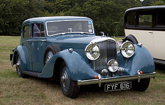 Bentley 3.5 Litre - 4¼-litre 4-door sports saloon 1940 by Park Ward