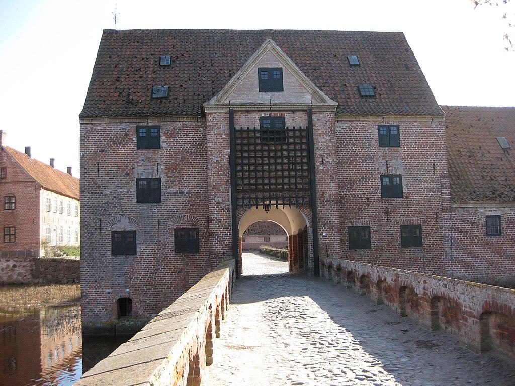 Borreby Slot - Portbygningen2.JPG