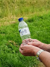 Bottled water - Wikipedia
